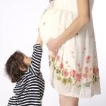 切迫早産で上の子の世話は?入院した場合や預け先は?