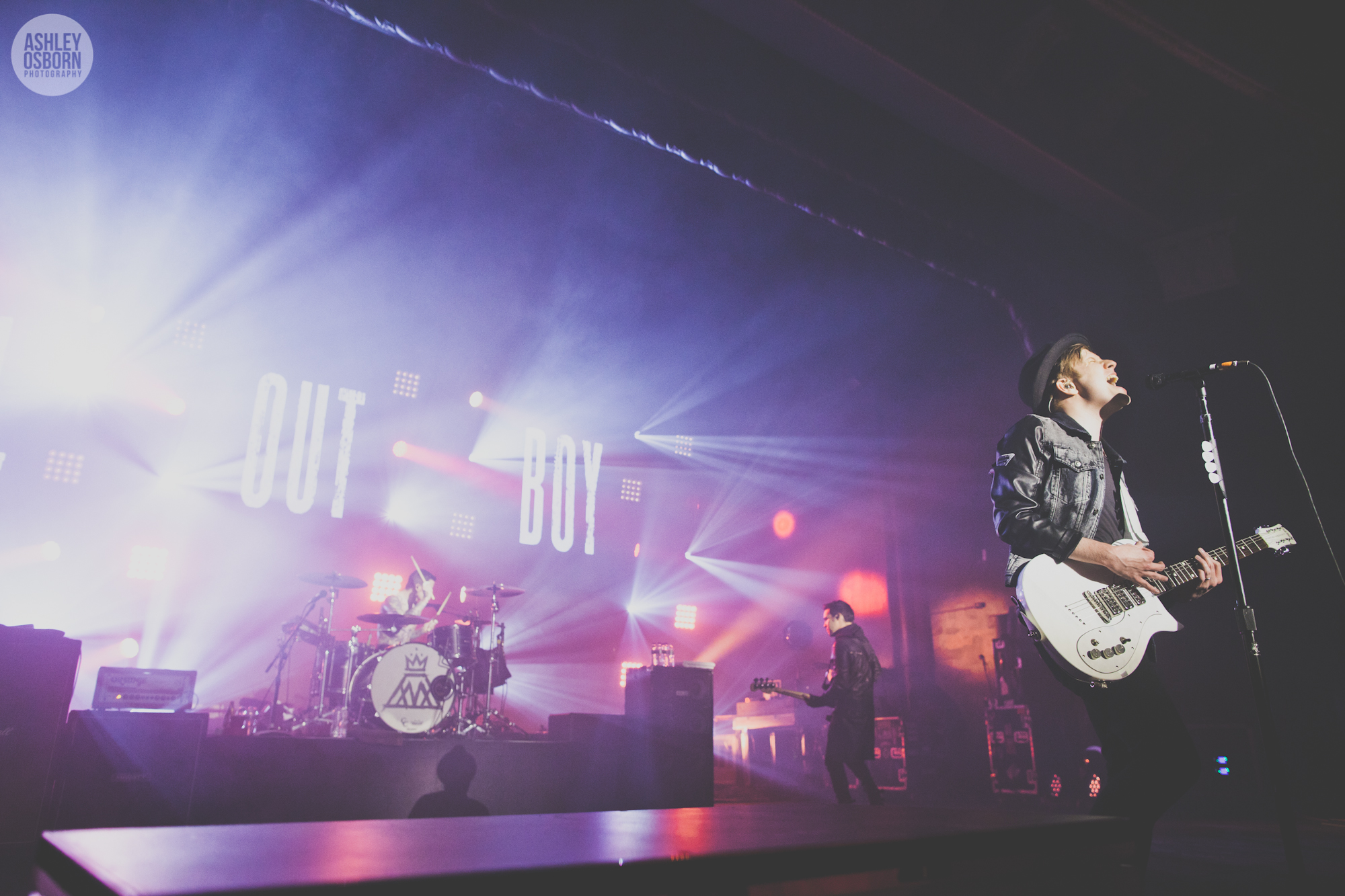 Boy And Girl Wallpaper For Facebook Cover Fall Out Boy The Save Rock And Roll Tour Highlight
