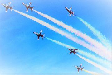 Japan_Air_Self-Defense_Force_Blue_Impulse_T-2_2