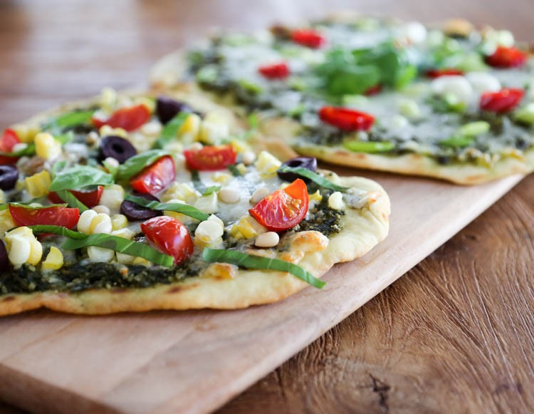 Flatbread Pizza - Hilah Cooking