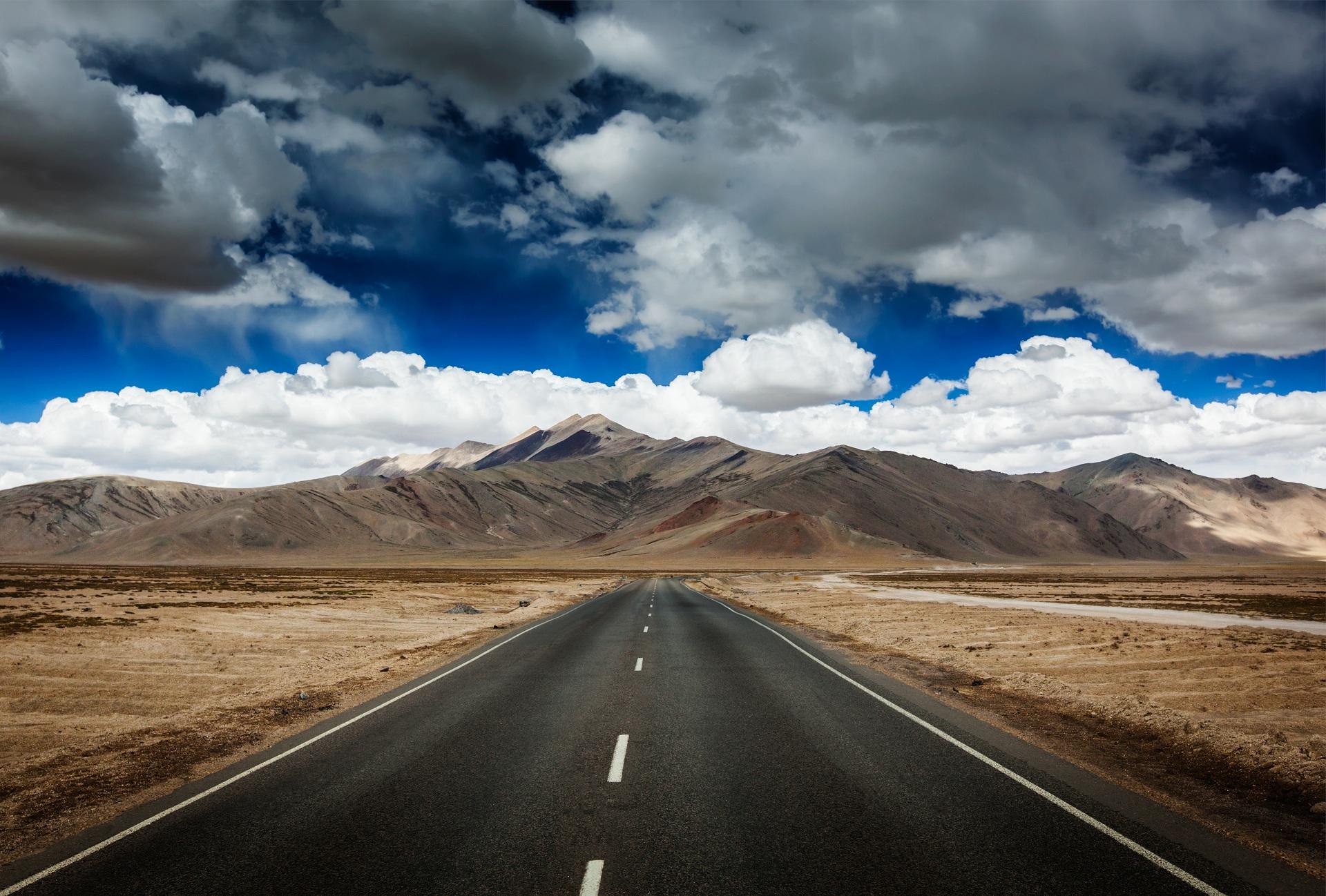 Royal Enfield 3d Wallpaper Himalayan Explorer Explore Himalaya Himalayan