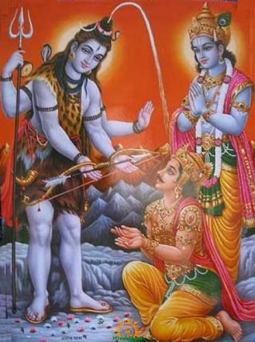 Shiva presenting Pashupatastra to Arjuna