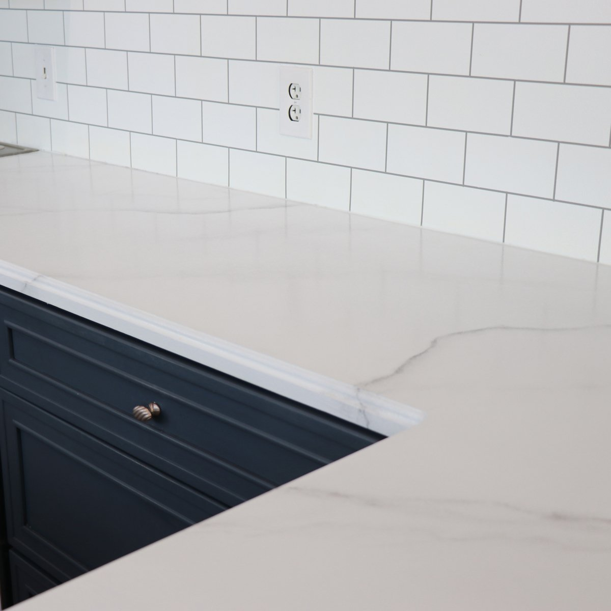 This Diy Faux Marble Paint Kit Will Transform Your Kitchen For Under 90