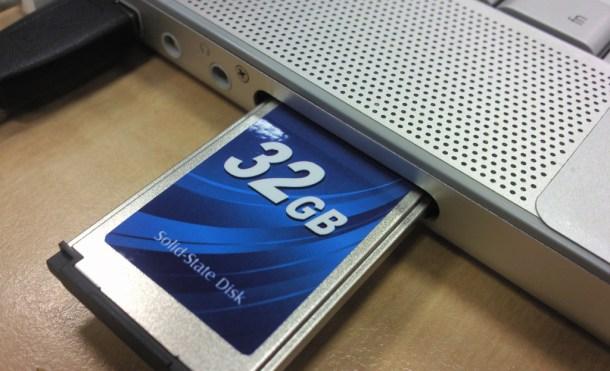 Memoria SSD en una bahía ExpressCard 32