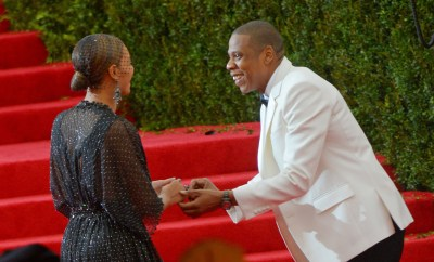 118114, Jay-Z and Beyonce Knowles attend the 'Charles James: Beyond Fashion' Costume Institute Gala held at the Metropolitan Museum of Art in New York City. New York, New York - Monday May 05, 2014. Photograph: © RGK, PacificCoastNews. Los Angeles Office: +1 310.822.0419 London Office: +44 208.090.4079 sales@pacificcoastnews.com FEE MUST BE AGREED PRIOR TO USAGE