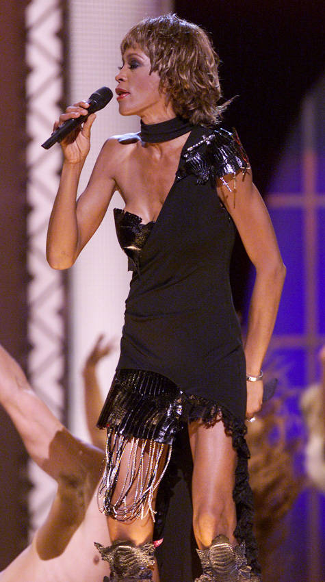 Whitney-Houston-2001-Concert