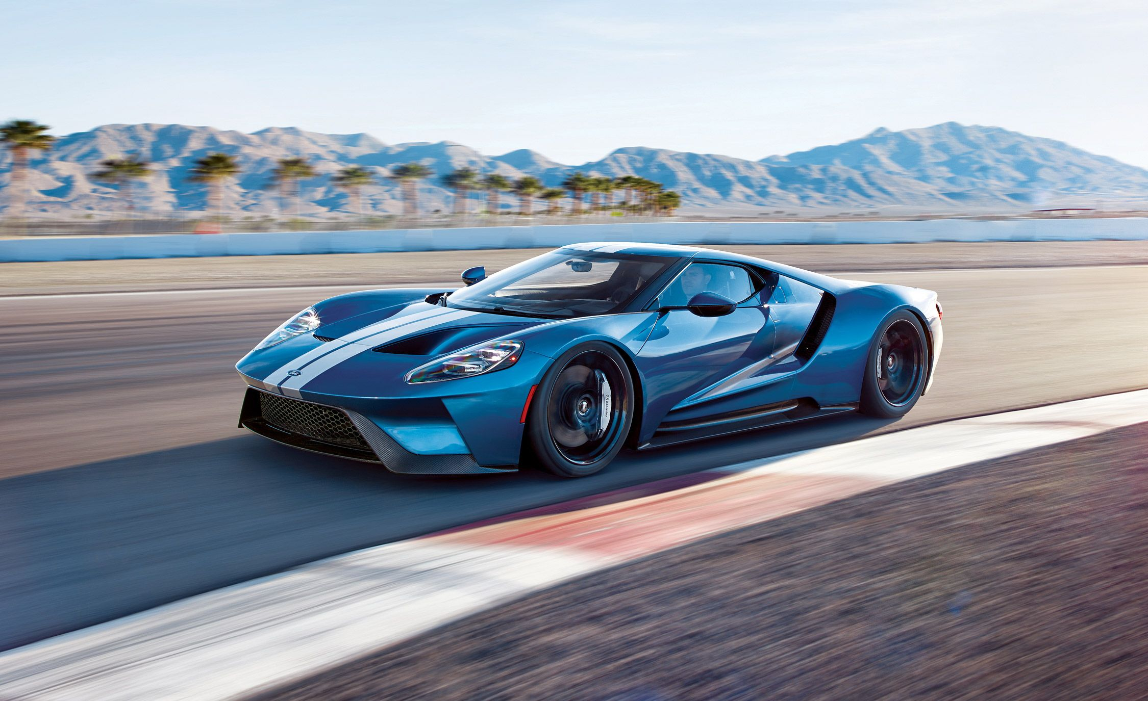 Exotic Cars Fall Wallpaper 2017 Ford Gt Supercar First Ride Review Car And Driver