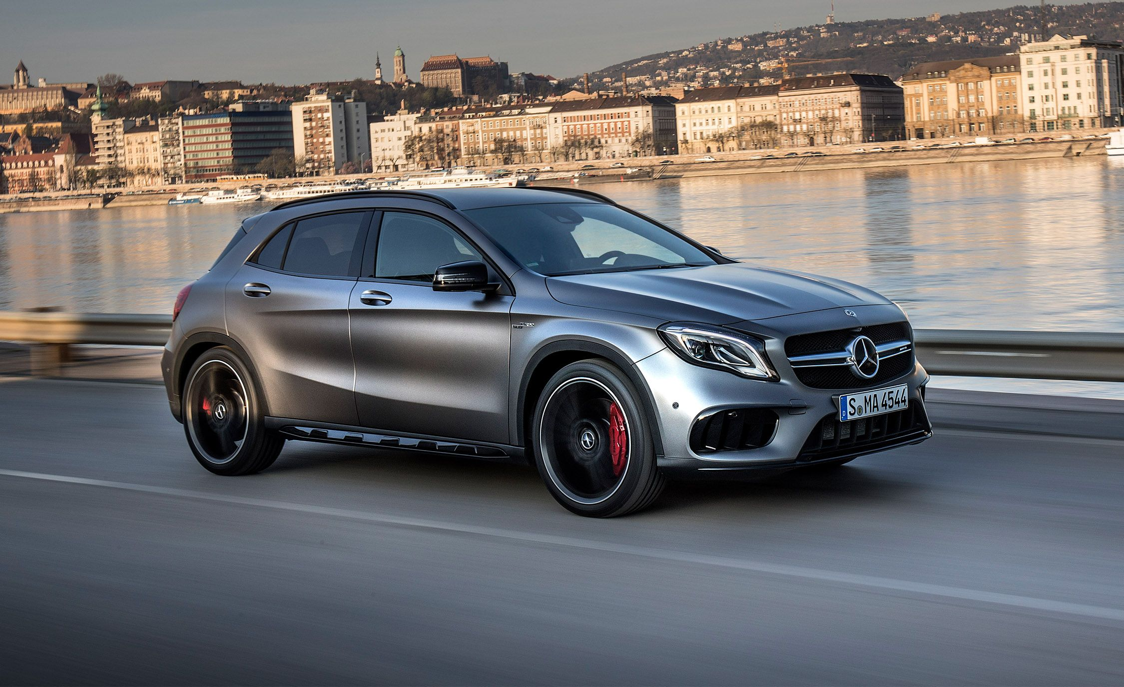 Land Rover Car Wallpaper 2017 Mercedes Amg Cla45 And 2018 Gla45 First Drive