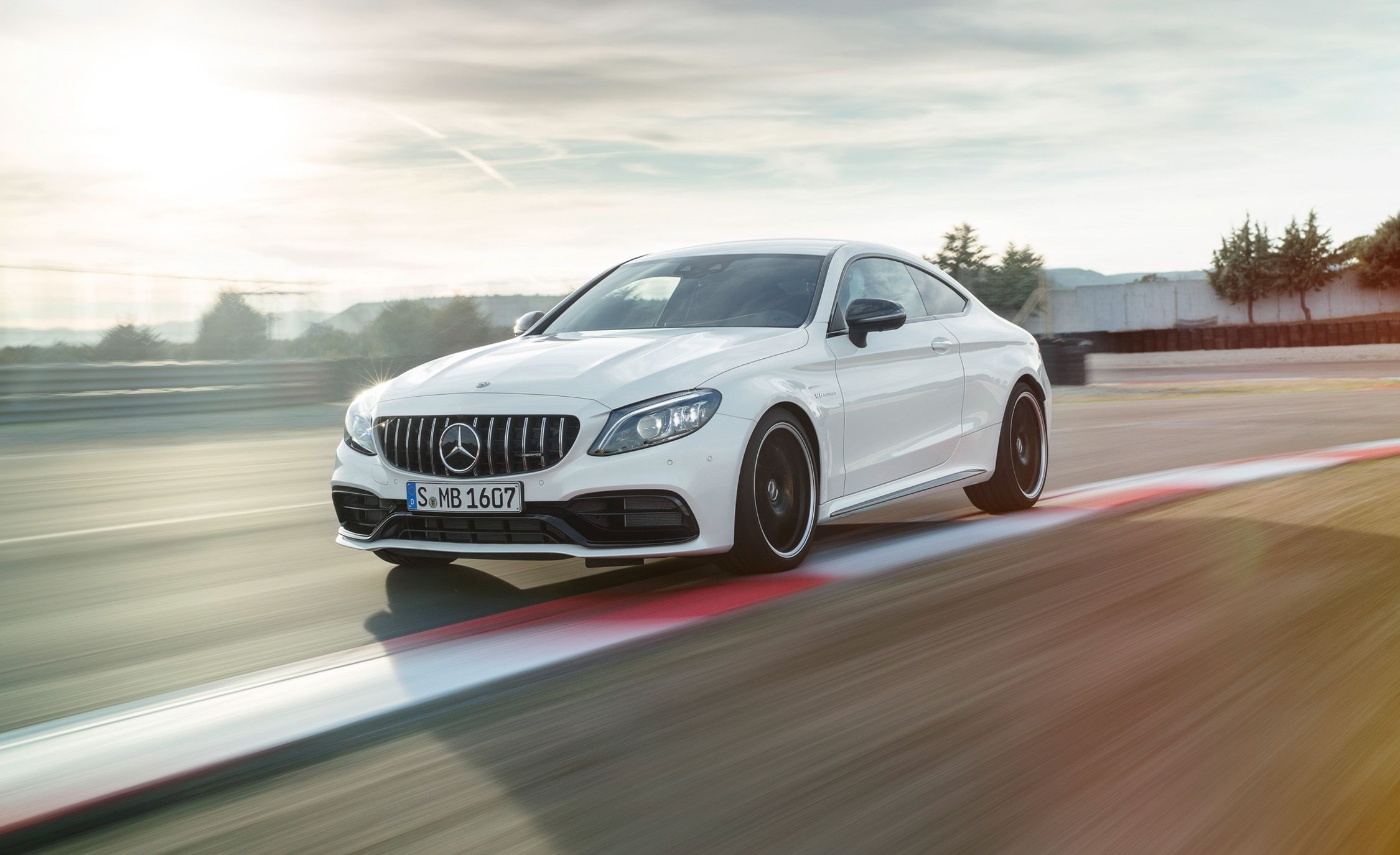 Mercedes Amg 2019 Mercedes Amg C63 Sedan Coupe And Cabriolet Photos And Info