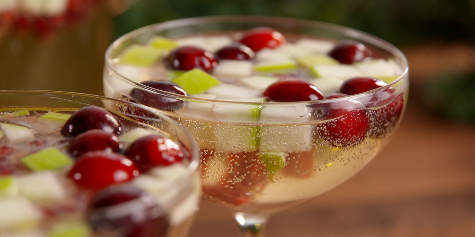 30+ Easy Christmas Cocktails - Best Recipes for Holiday Alcoholic Drinks