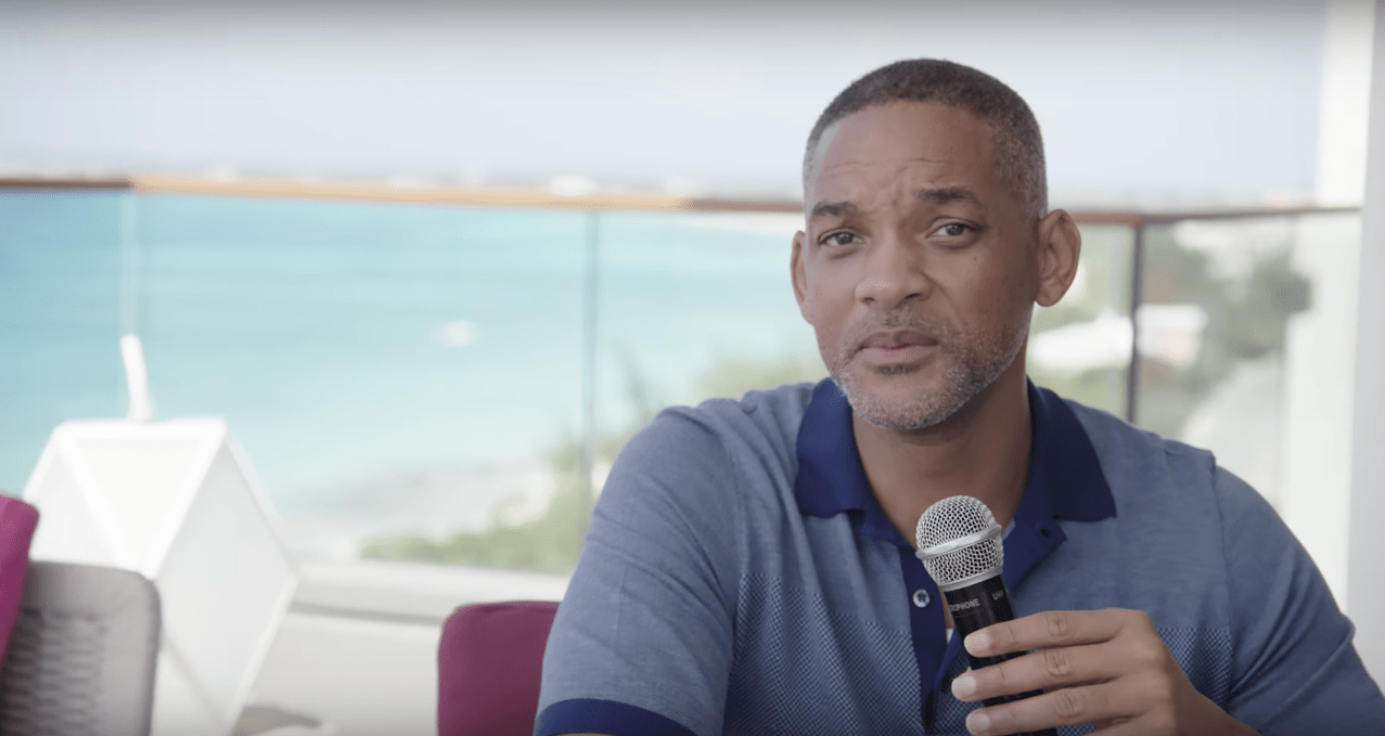 I Robot Watch I Robot Star Will Smith Have A Hilariously Awful Date With