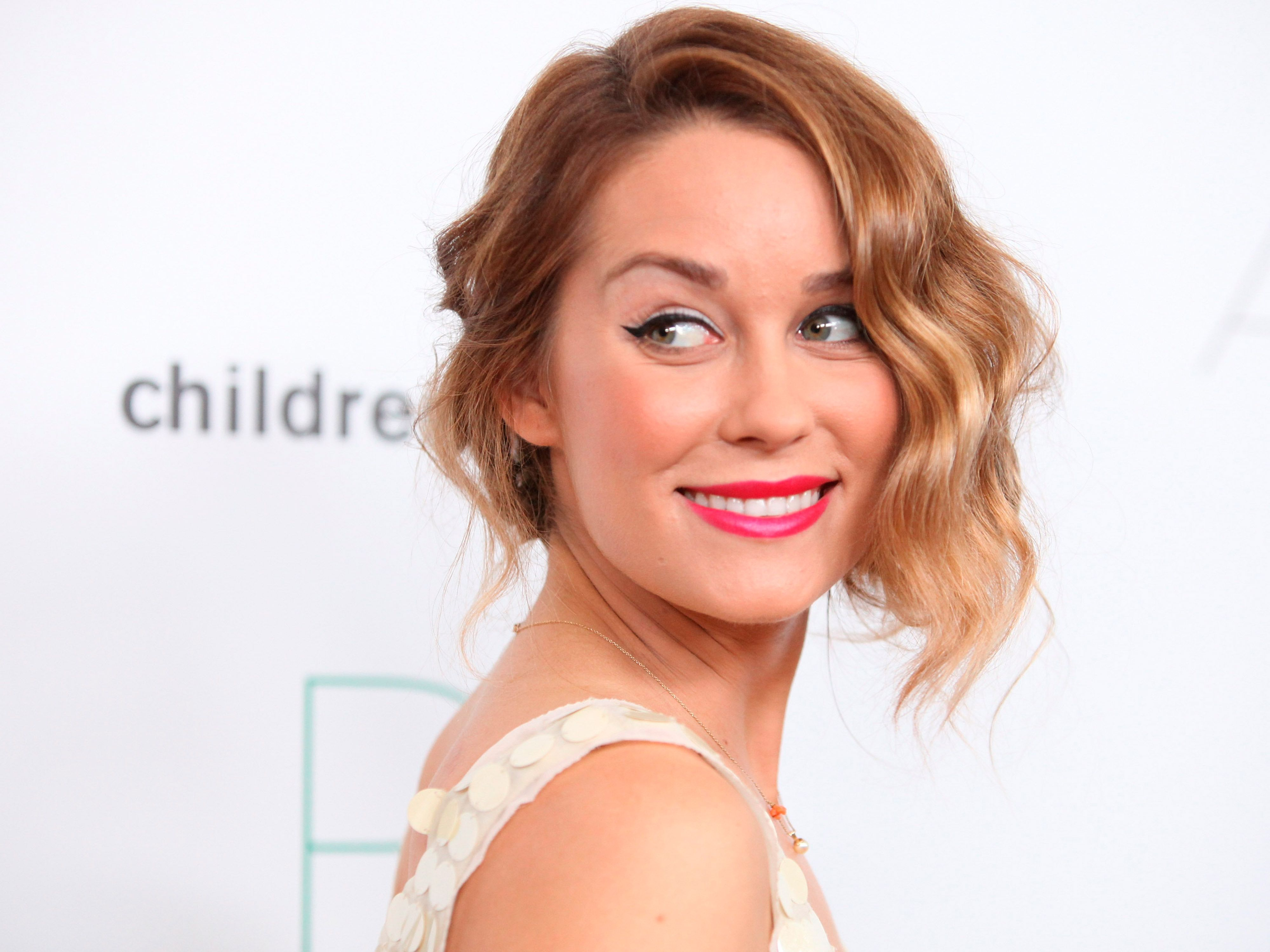Lauren Conrad Lauren Conrad Reveals Baby Bump For The First Time