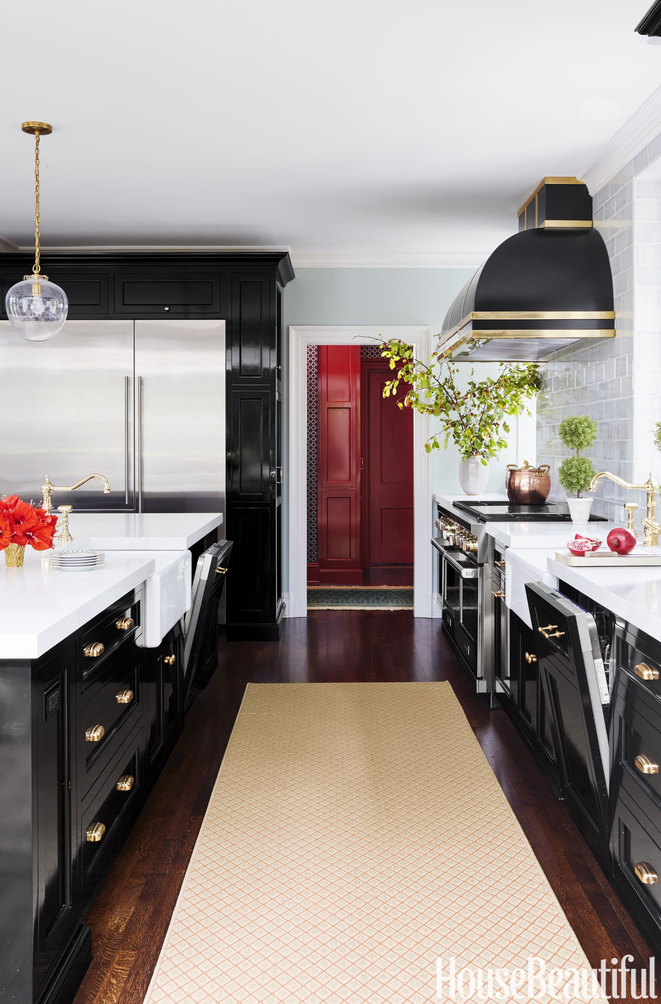 Spectrum 10 Black Kitchen Cabinet Ideas - Black Cabinetry And Cupboards