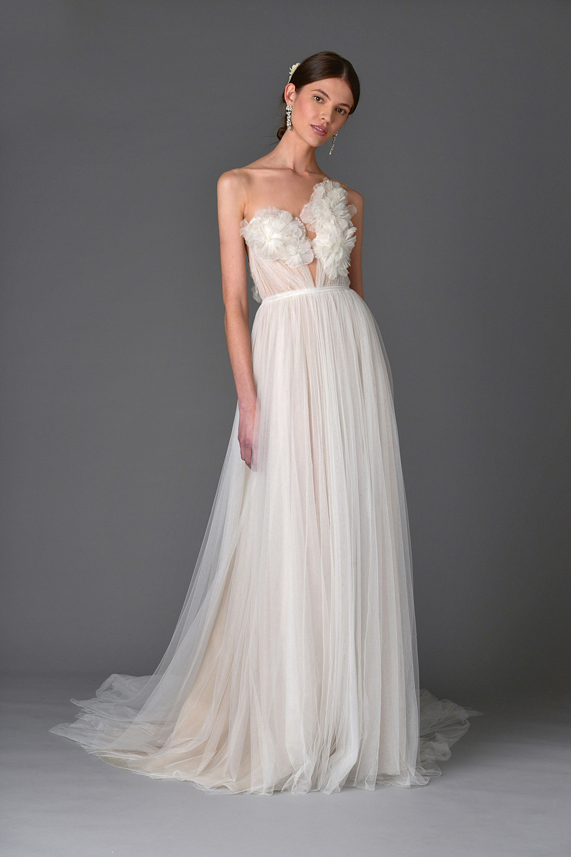 beach wedding dresses bride wedding dress 99 Beautiful Beach Wedding Dresses Bridal Gowns for a Beach Destination Wedding