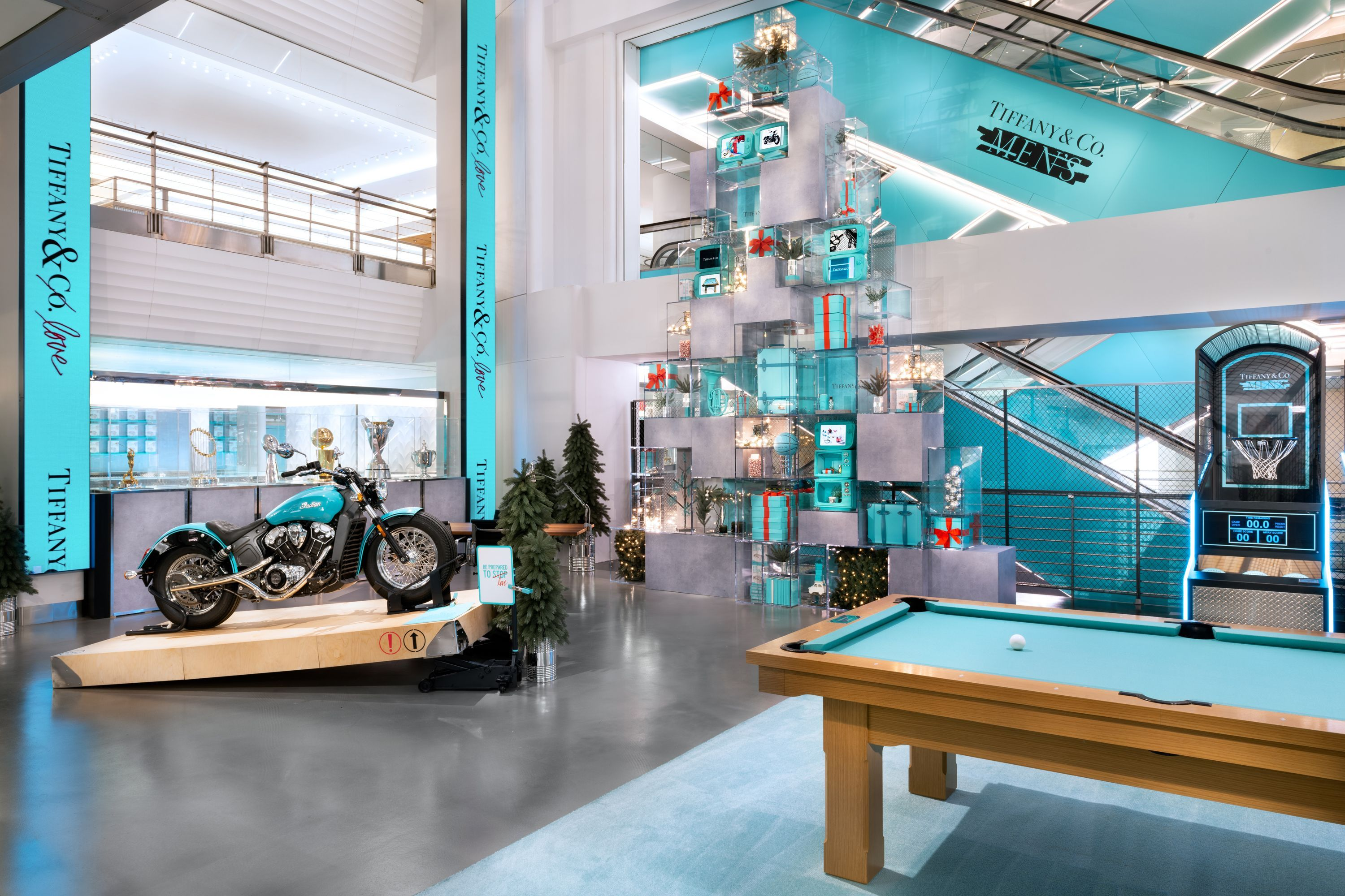 Book Plus S Pop Up Tiffany Co Just Opened Their First Men S Pop Up Shop In Nyc