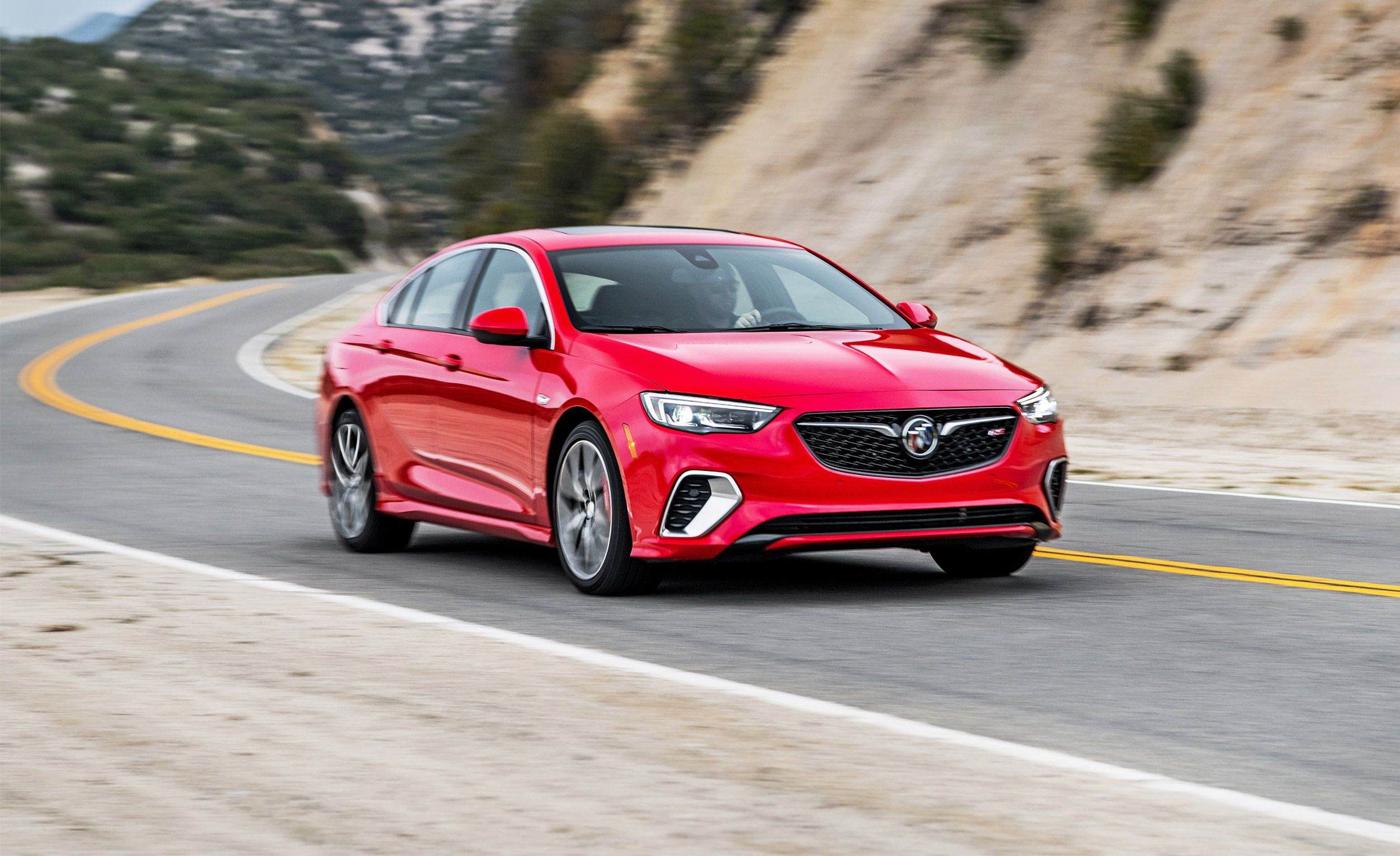 Glasregal 40 X 20 2018 Buick Regal Gs Test Well Executed But Not Particularly