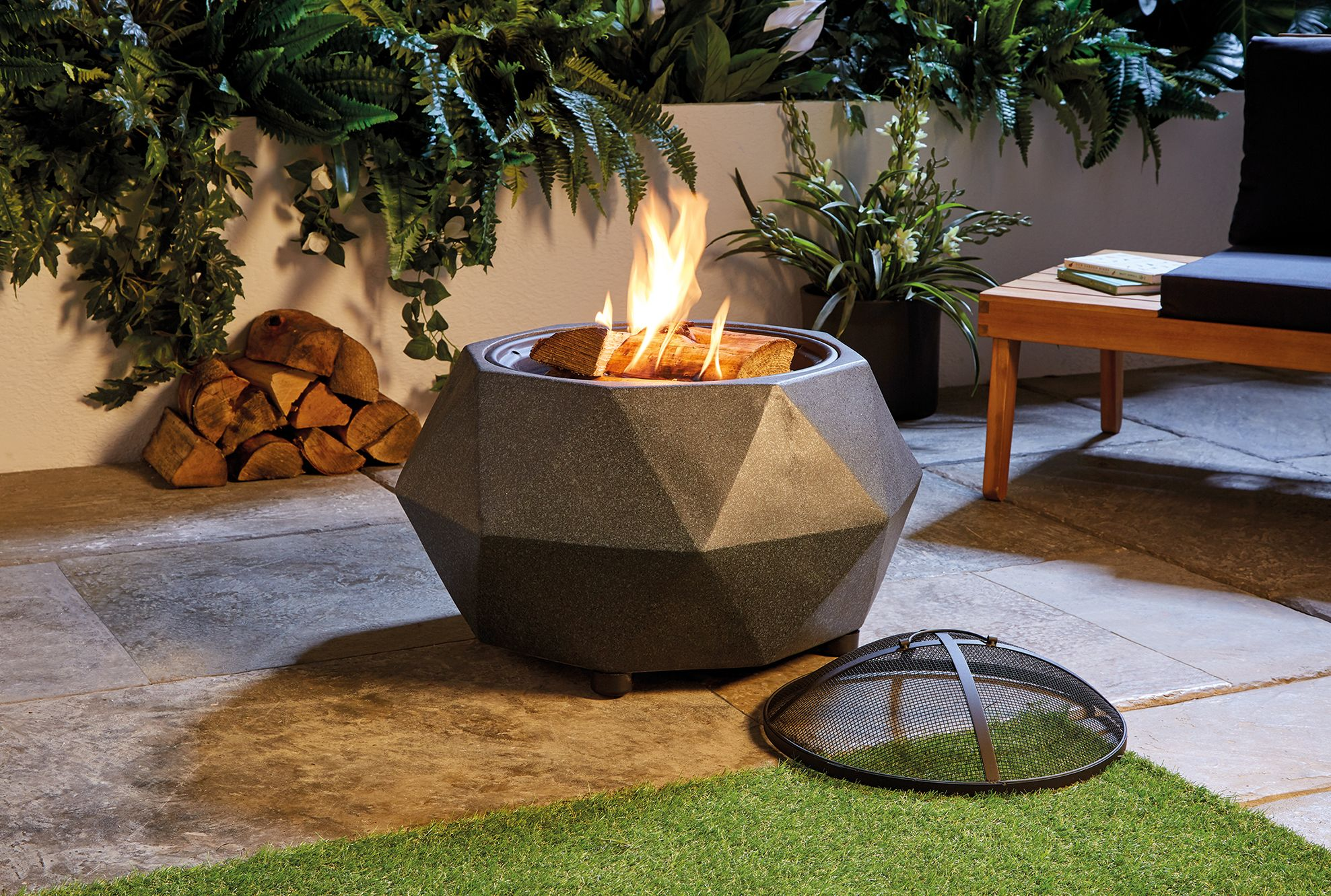Barbecue Aldi Aldi Selling 50 Fire Pit Which Doubles Up As Bbq Aldi Offers
