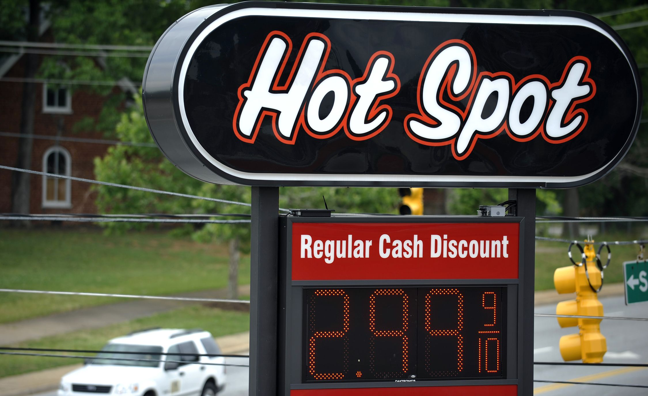 Gas Road Trip Gas Prices Expected To Have Bumpy Ride This Summer News Car