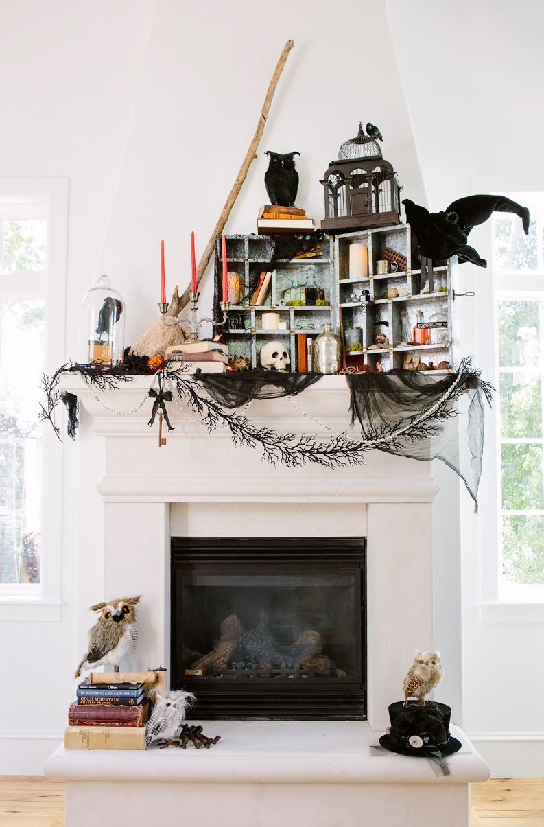 6 Ft Fireplace Mantel 35 Fall Mantel Decorating Ideas Halloween Mantel Decorations