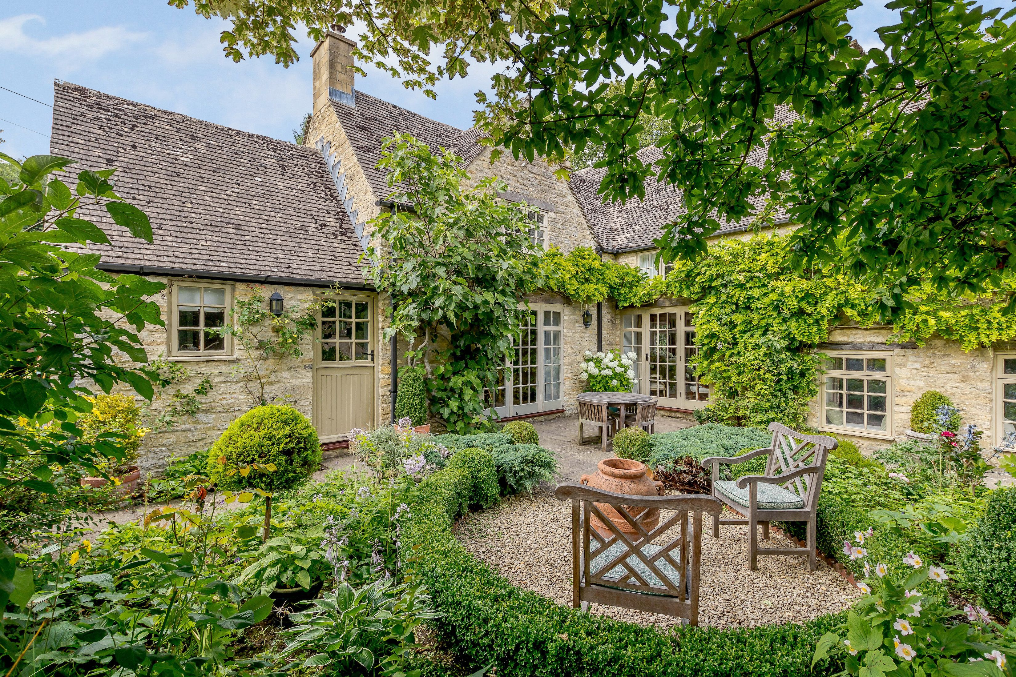 8 Dreamy Cotswold Cottages For Sale Properties In The Cotswolds