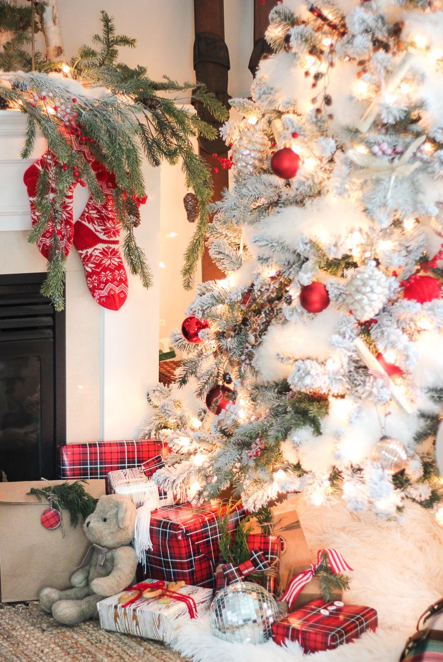 Best Place For Christmas Decorations 25 Christmas Decorating Ideas For An Ultra Stylish Holiday
