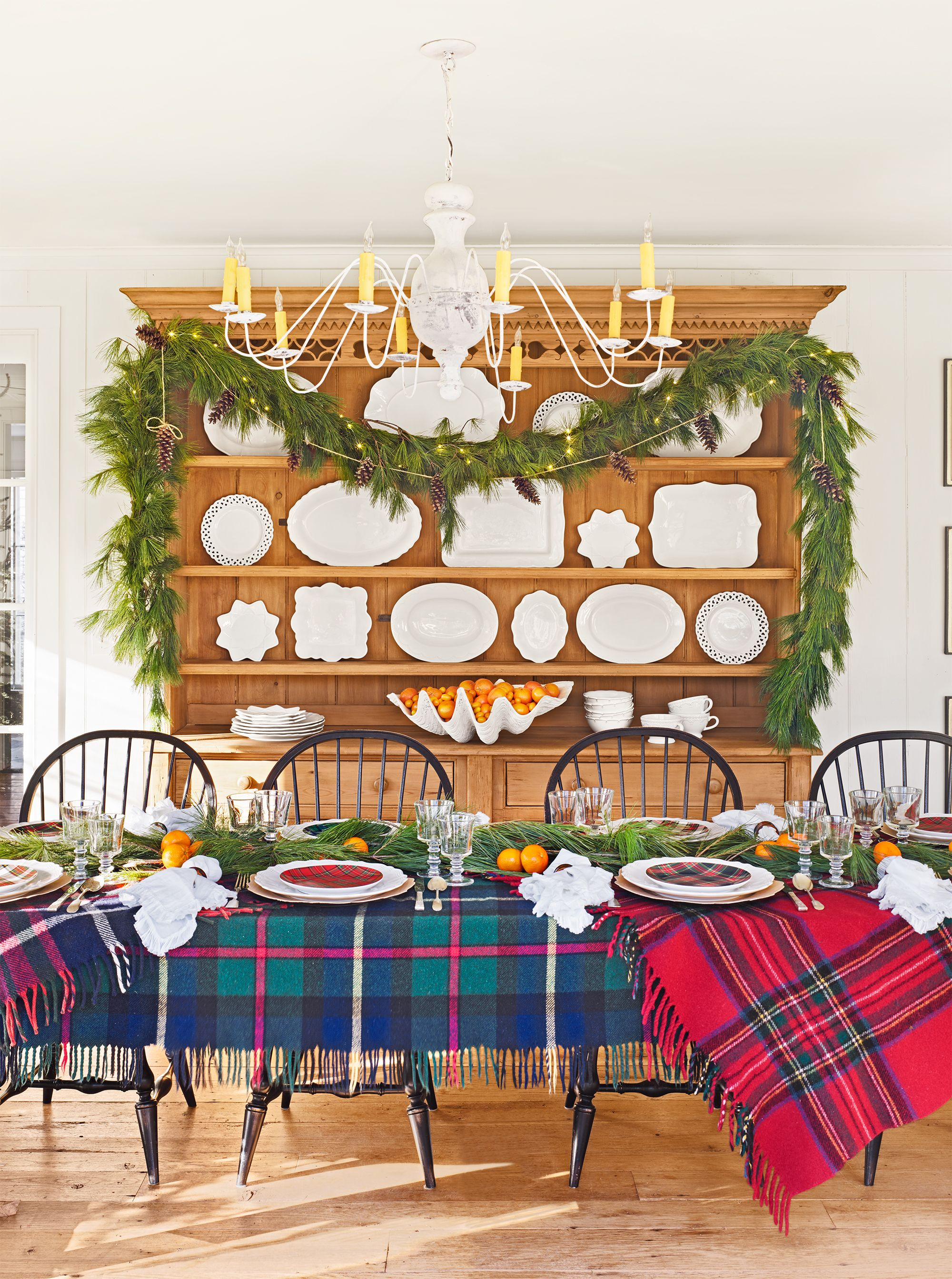 44 Christmas Table Decorations Place Settings Holiday Tablescapes