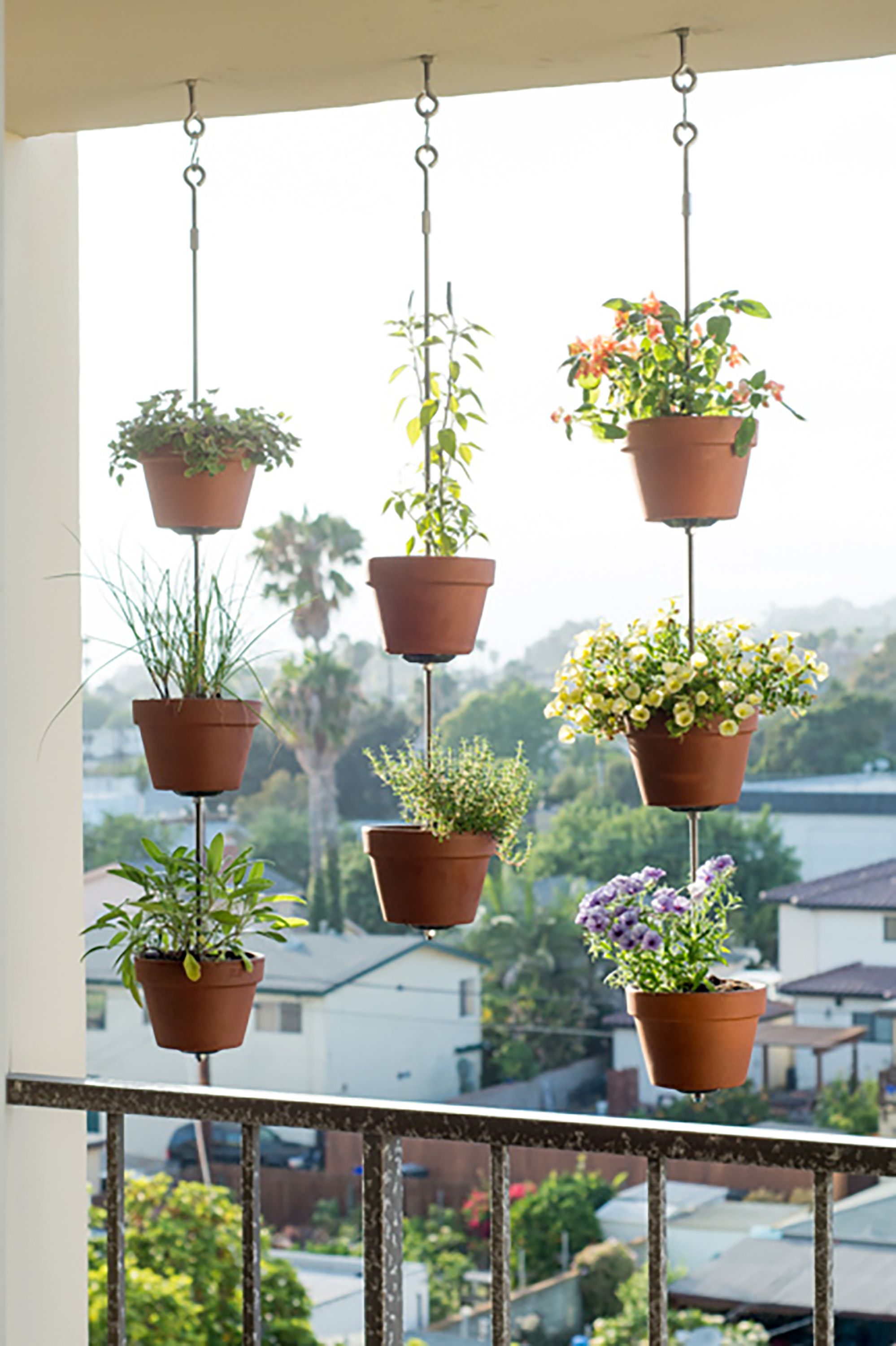 Unique Outdoor Flower Pots 30 Creative Ways To Plant A Vertical Garden How To Make A