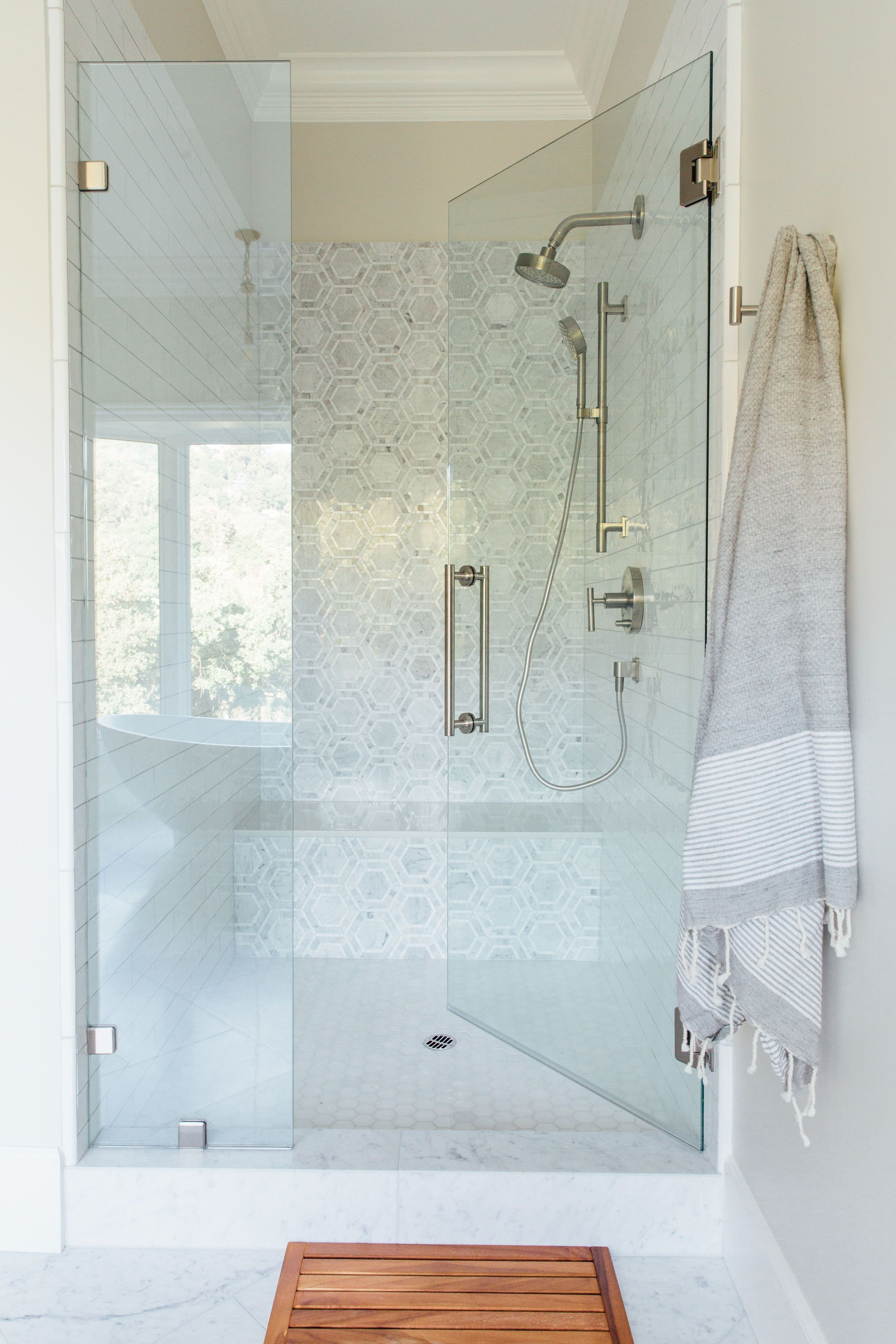10 Small Shower Ideas That Ll Make Your Bathroom Feel Spacious