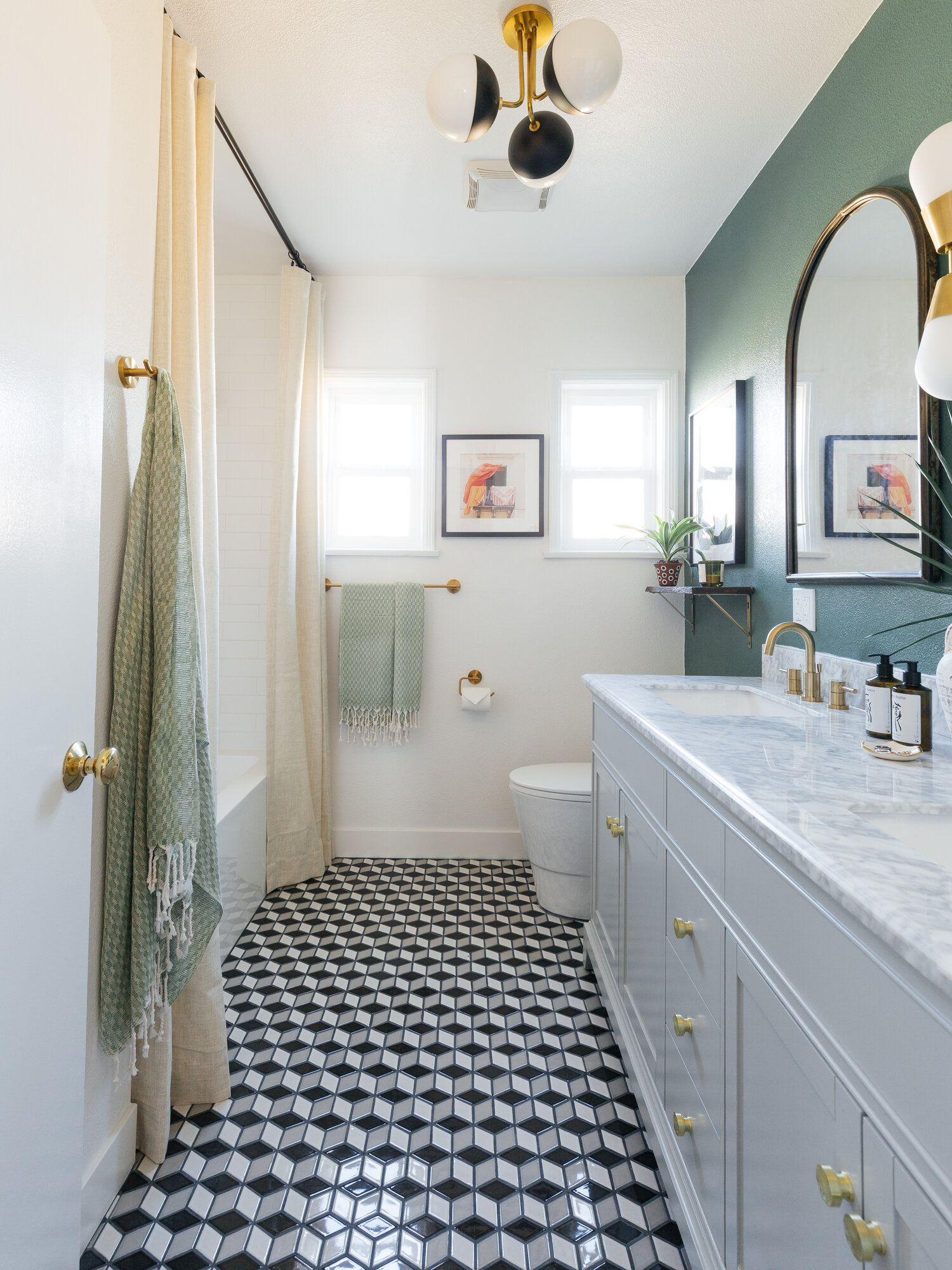 These 11 Stylish Bathroom Remodel Ideas Are Brilliant