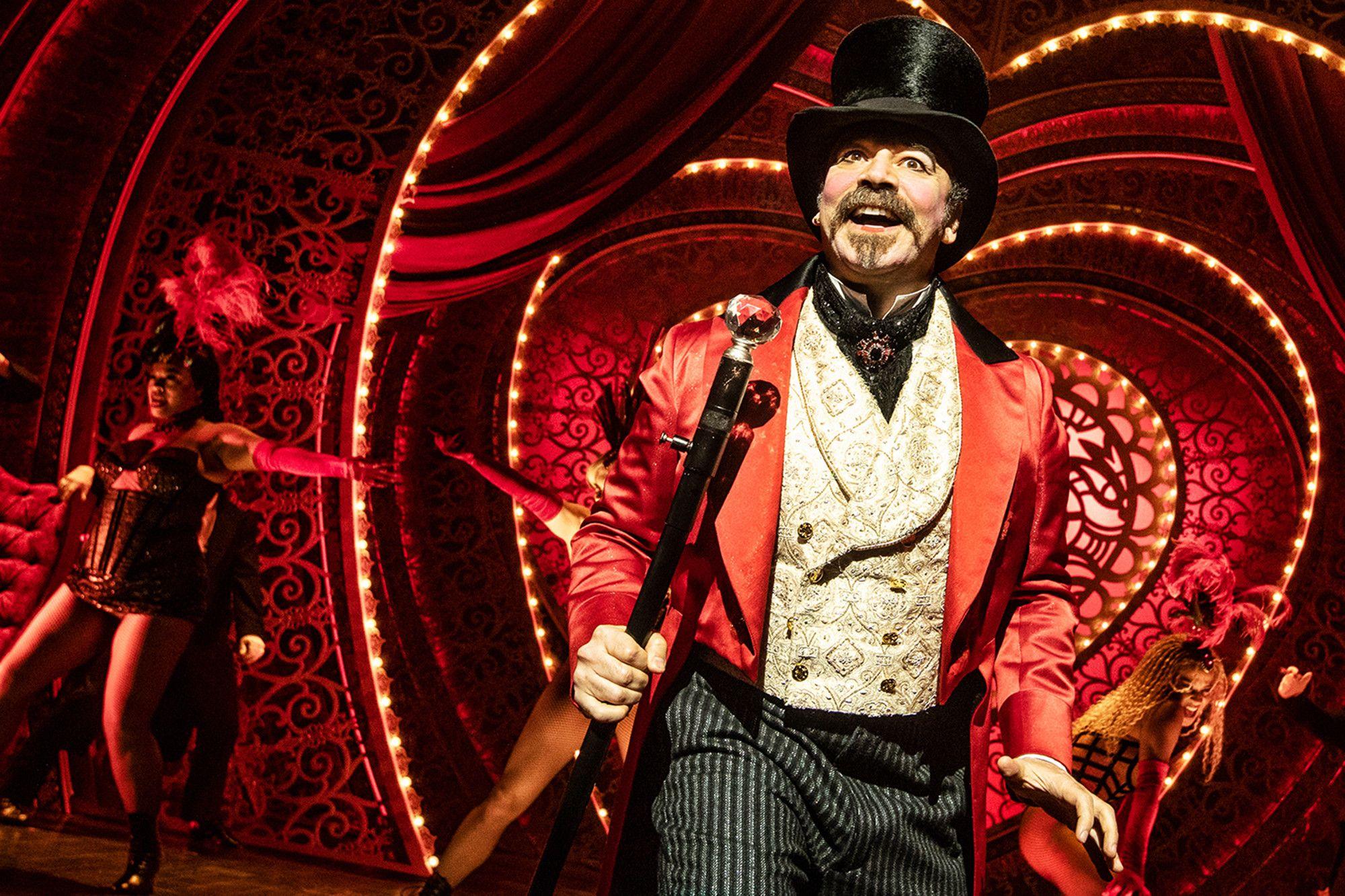 Moulin Rouge Libro Moulin Rouge El Musical Llega A Broadway Baz Luhrmann