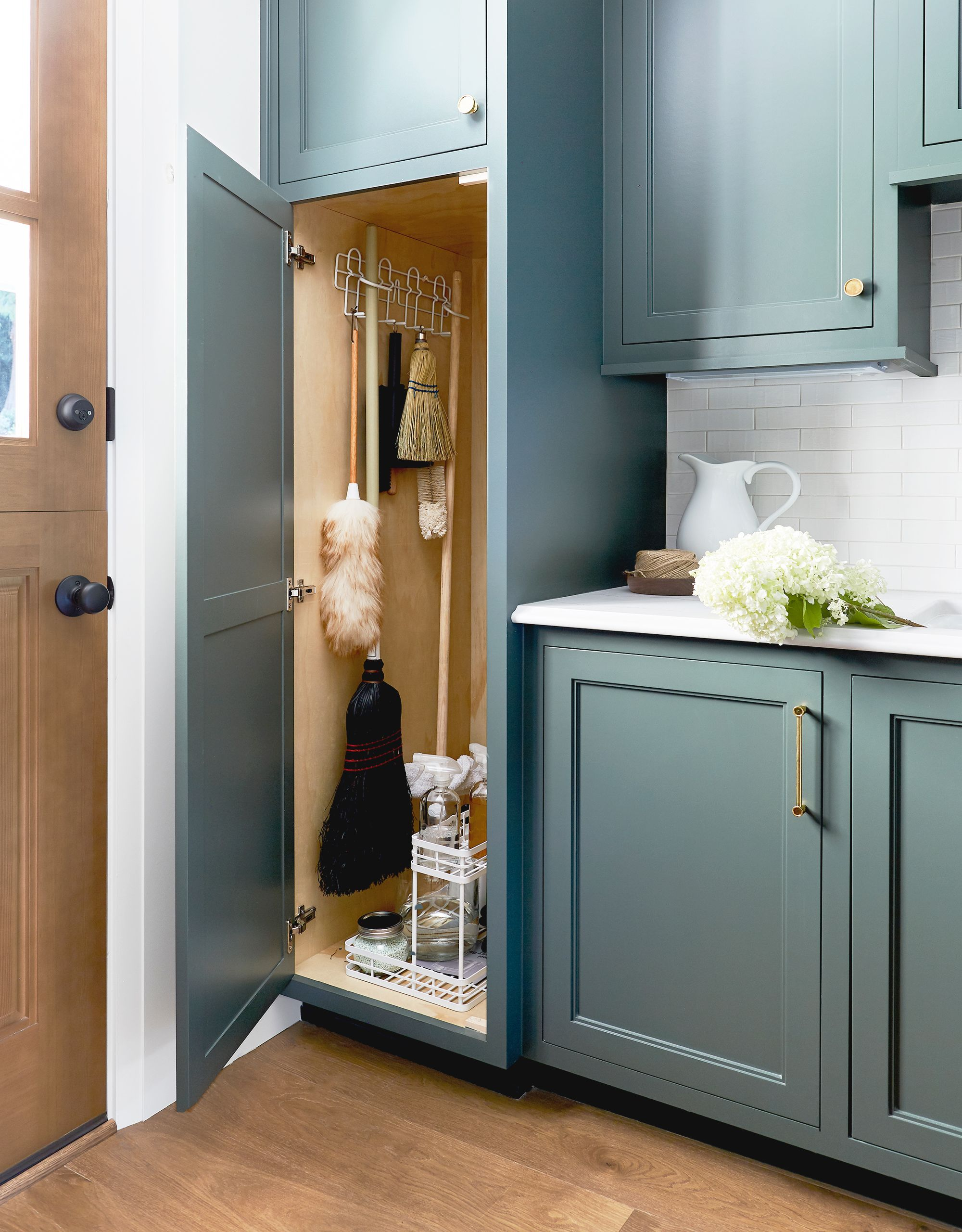 Cupboard Storage Ideas 30 Diy Storage Ideas Easy Home Storage Solutions