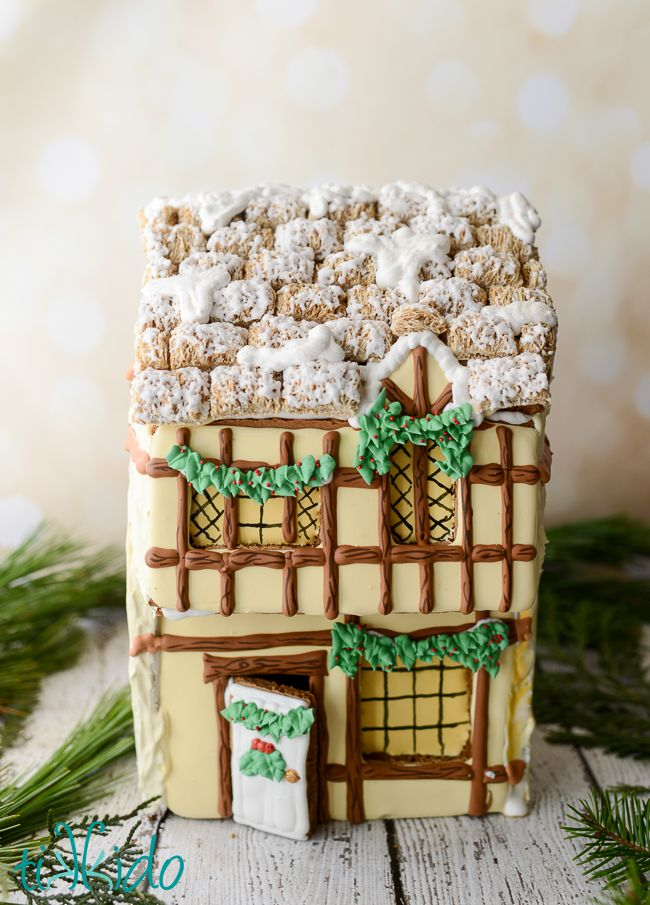40 Amazing Gingerbread Houses - Pictures of Gingerbread House Design