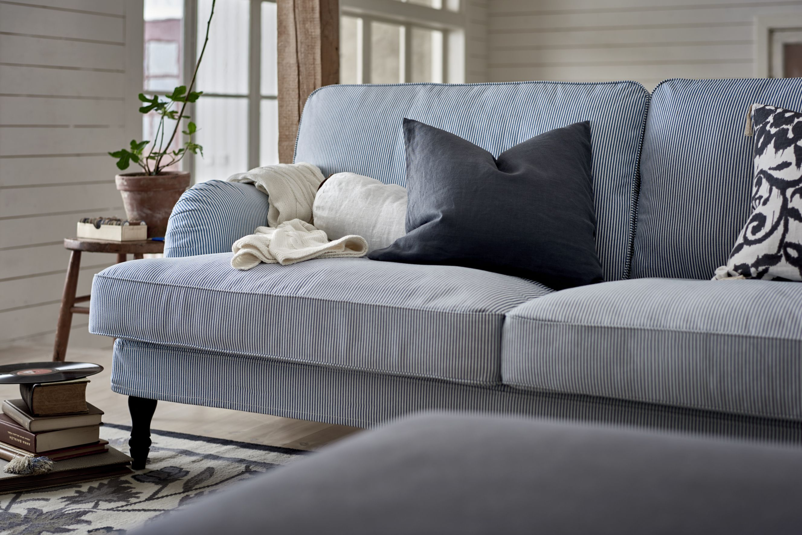 Dahlia 3 Seat Leather Sofa 5 Rules To Consider Before You Buy A Sofa Choosing A Sofa