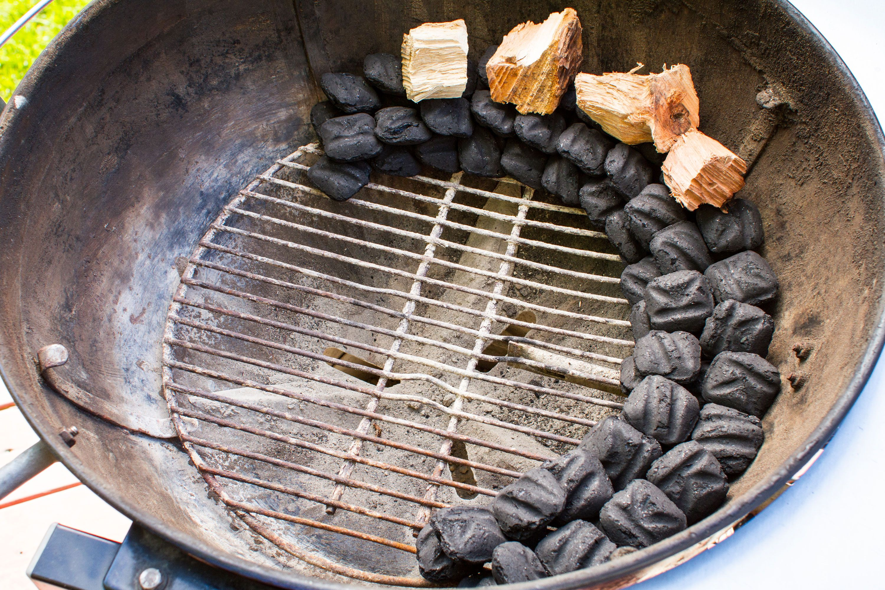 Coal Bbq The Trick That Turns Your Grill Into A Top Notch Smoker