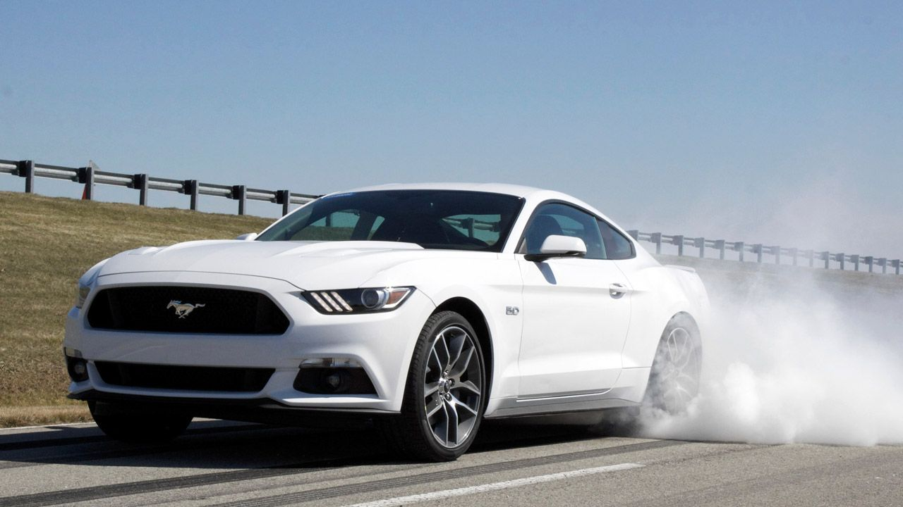 2015 Mustang Gt Pictures 2015 Ford Mustang Gt Gets Standard Line Lock As Part Of Track Apps