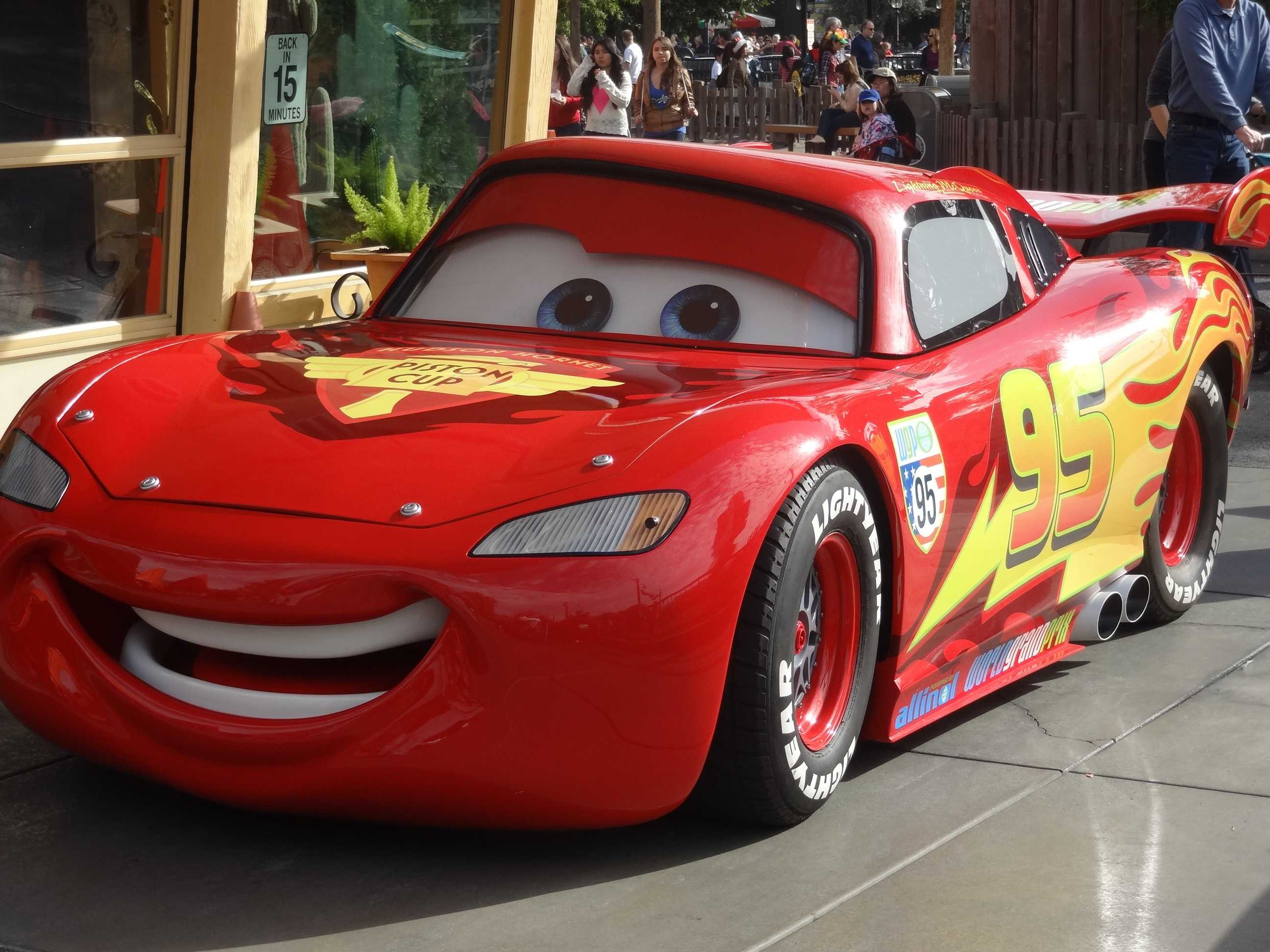 Lightning Mcqueen Wallpaper Cars 3 Cars 3 Characters Rev Up For Cross Country Tour