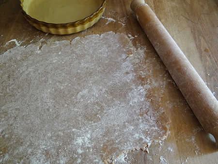 rolling pastry for redcurrant mazarin tart base