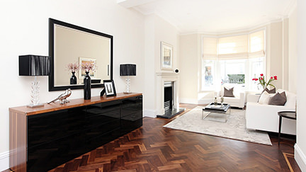 sitting room with parquet floor