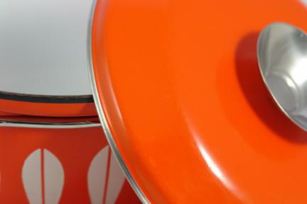 Orange Cathrineholm saucepan detail