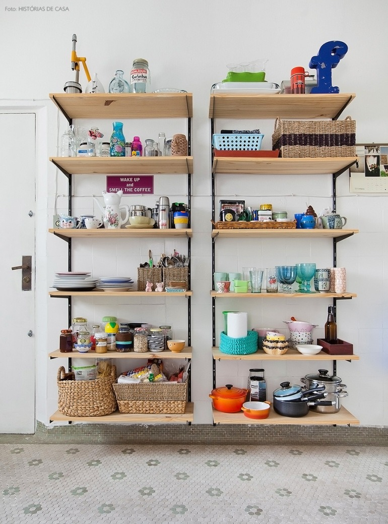 08-decoracao-estante-trilho-cozinha