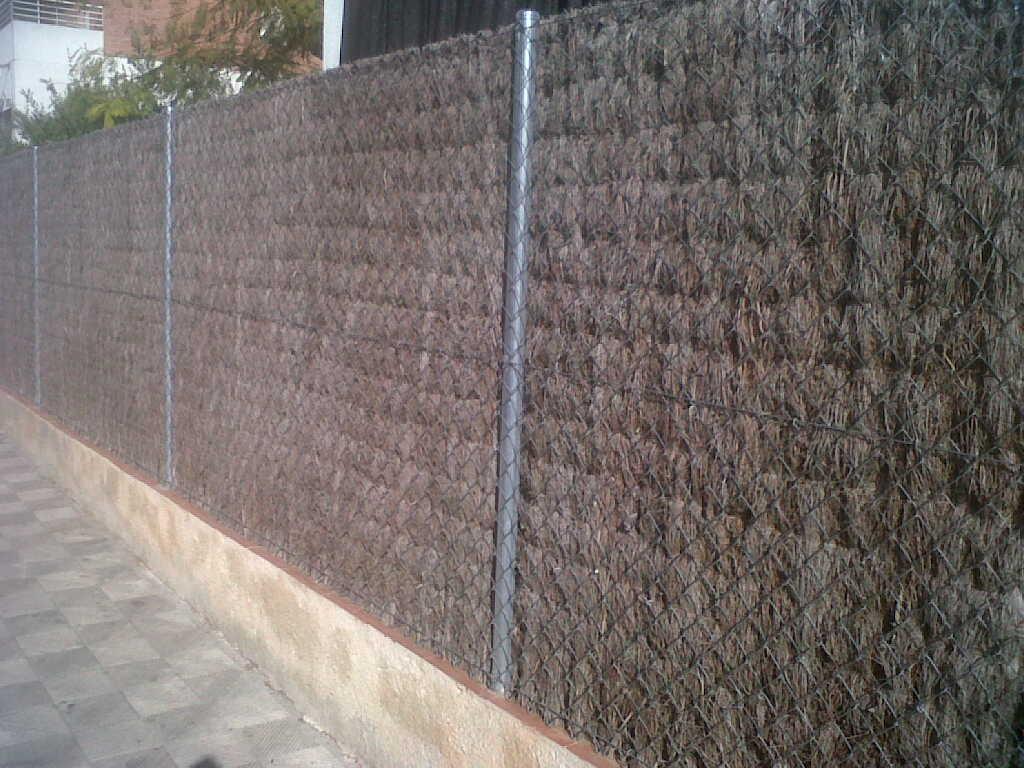 4 ideas de vallas ocultaci n para bricolaje for Ideas para cubrir paredes