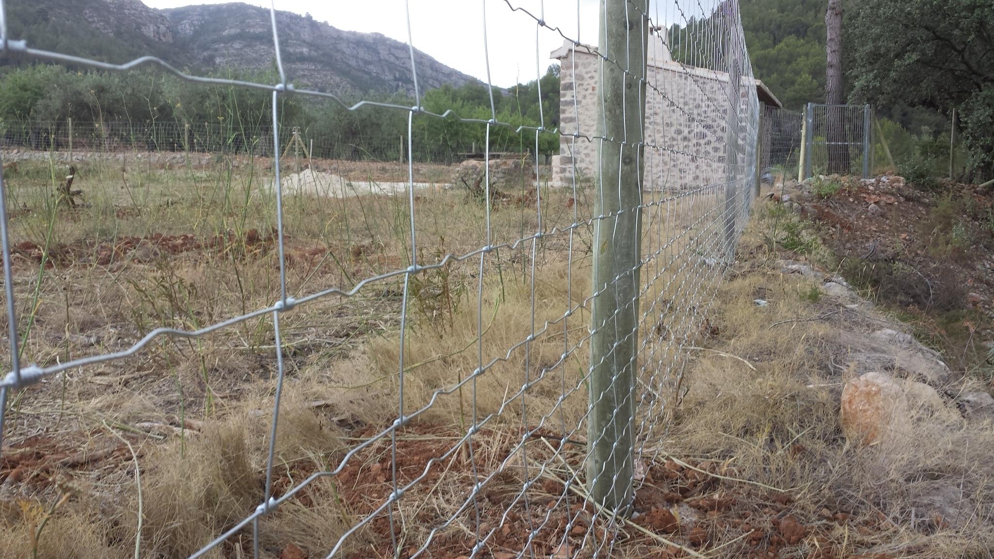 Valla finca con cercado metalico economico - Cercado de madera ...