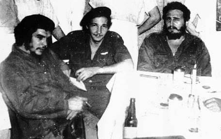 Che Guevara, Raúl Castro en Fidel Castro (vlnr)