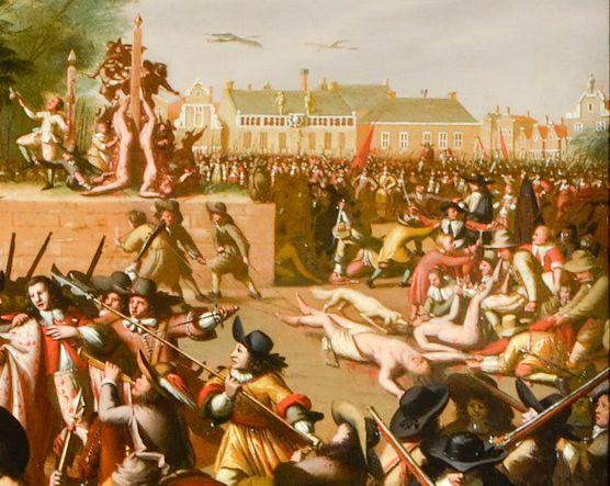 Detail van een onlangs gerestaureerde schilderij over de moord op de gebroeders De Witt. Over de lijken heen was een kanon geschilderd. (Haags Historisch Museum)