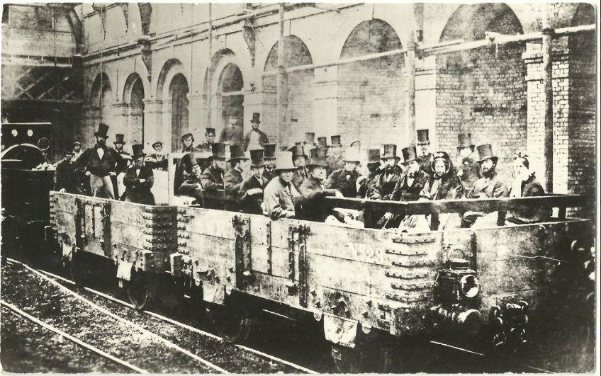 Eerste rit met de metro van Londen, 1862 (London Transport Museum / Topical Press)
