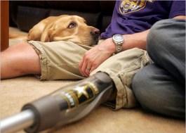 Amerikaanse oorlogsveteraan Jeffrey Adams met zijn hond Sharif