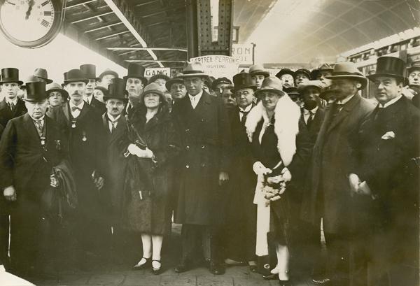 Van Dongen arriveert in Amsterdam, oktober 1928. Bron: Zeeuws Archief