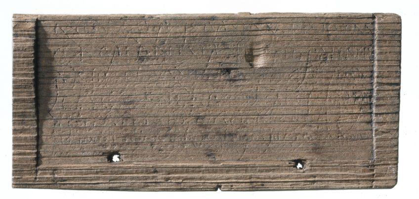 Een van de gevonden plankjes (MOLA)
