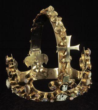 De bijzondere kroon van Karel IV (ngprague.cz)