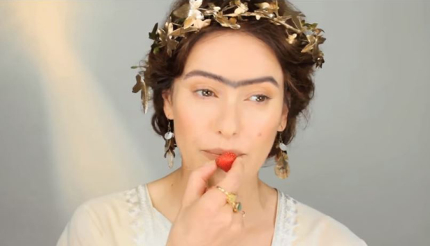 Mad Makeup A Short History Of Some Of The Strangest Beauty Trends - history of makeup